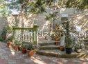 Двор с мангалом и столиками