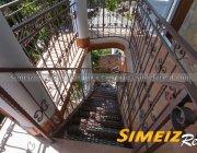 Лестница к № 2 и № 3 на 2й этаж