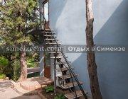 Вход в номер по лестнице