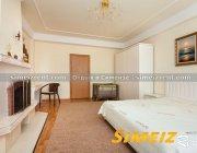 Спальня с балконом (2-й этаж)