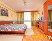 2 этаж, спальня с балконом