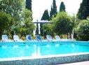 Открытый бассейн у корпуса Вилла