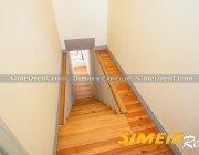 Лестница к спальне 2-го этажа, восточная половина