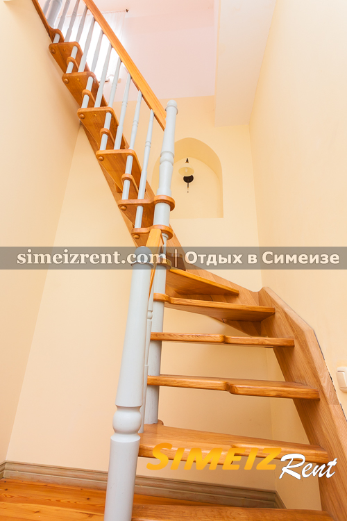 Лестница на 3-й этаж