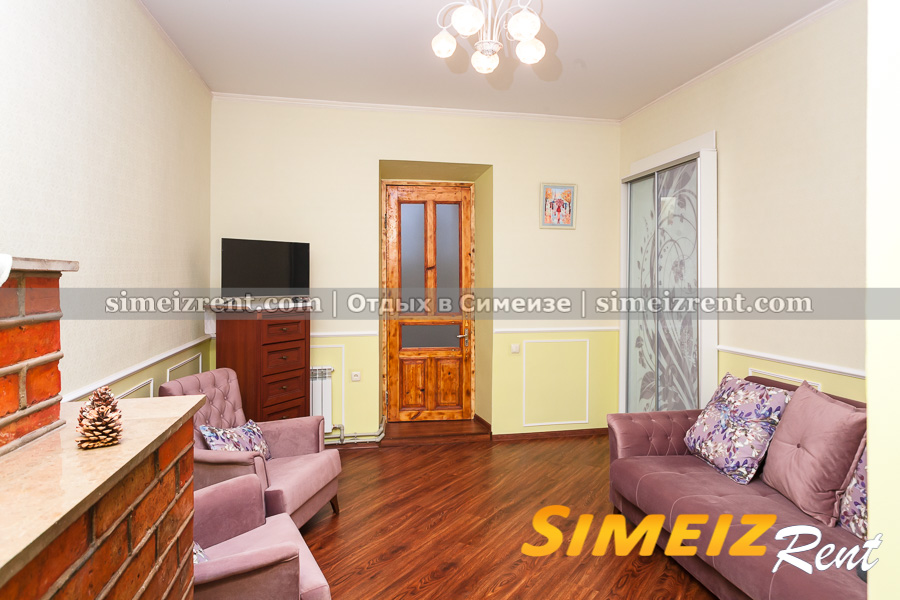 Комната 2 (прямо - выход в коридор))