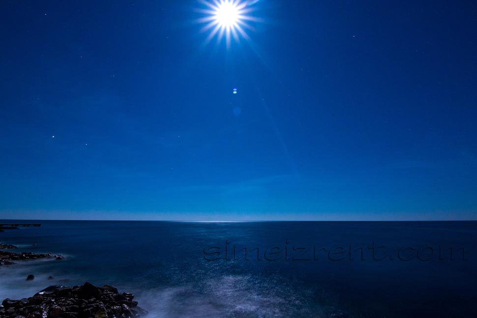 Крым, Симеиз, луна над морем
