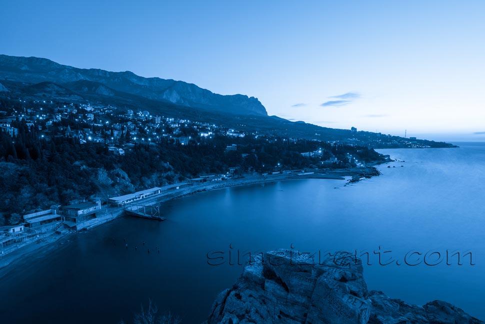 Крым, вид на Симеиз со скалы Дива