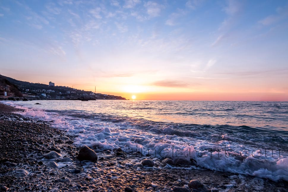 Крым, Симеиз, рассвет от скалы Дива