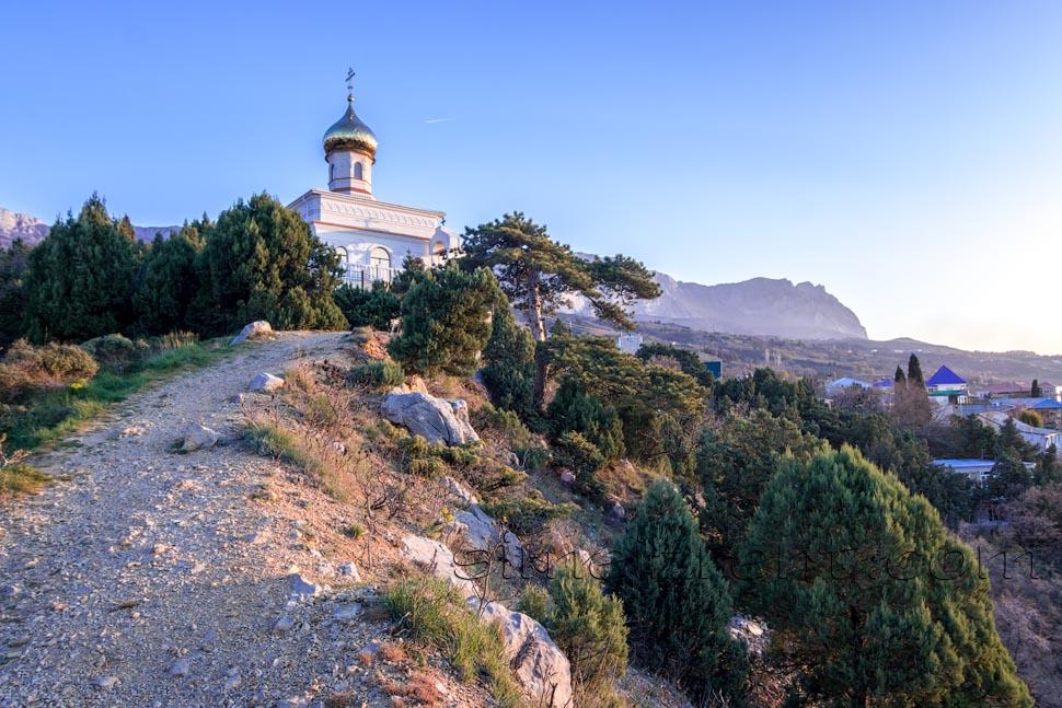 Крым, Симеиз, храм, можжевеловая роща