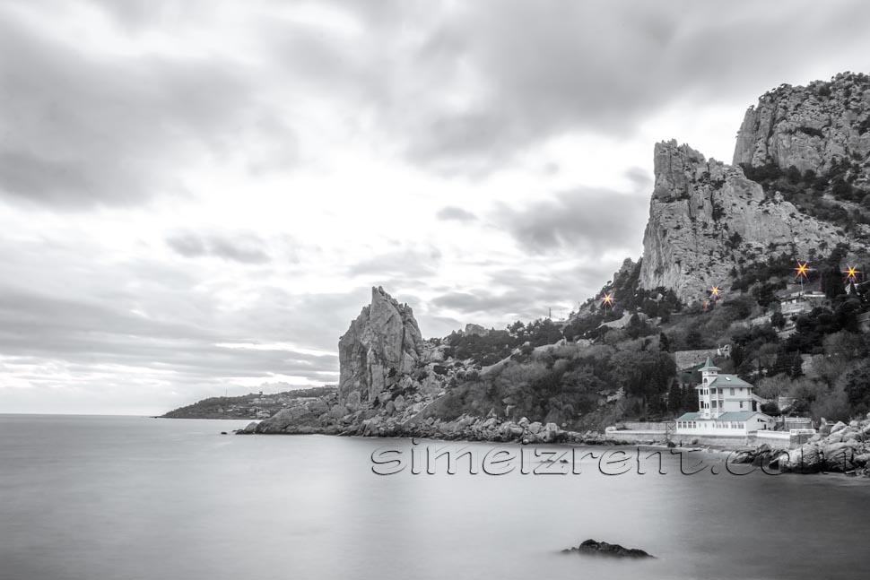 Крым, Симеиз, гора Кошка, скала Лебединое Крыло