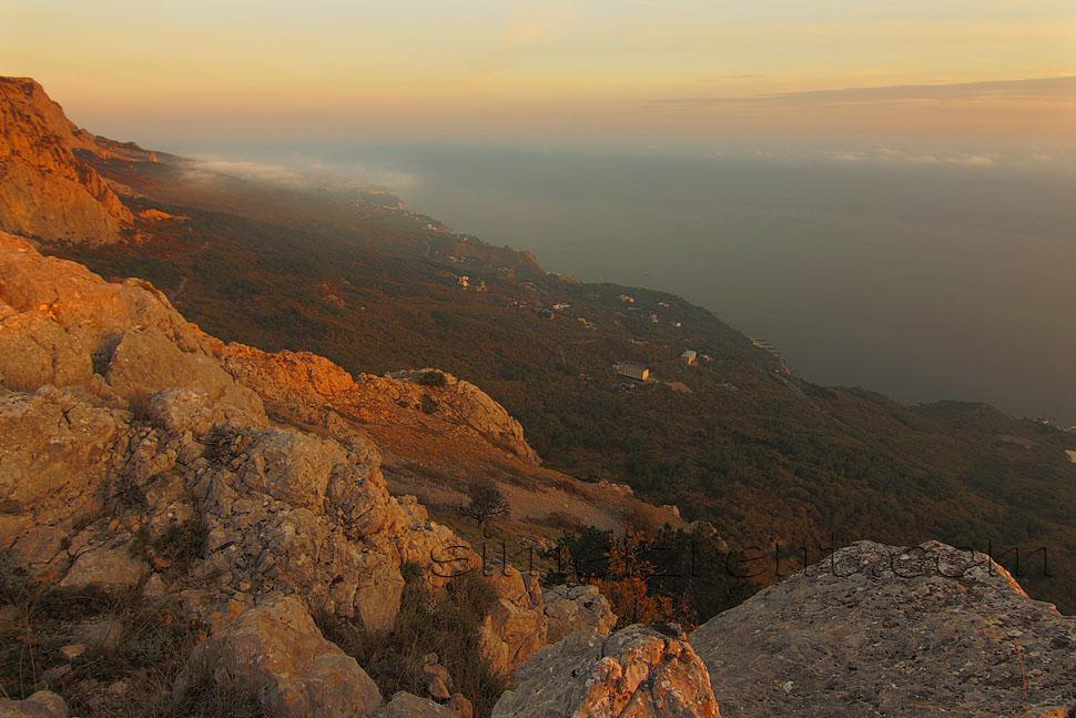 Крым, гора Ай-Петри, вид на Симеиз