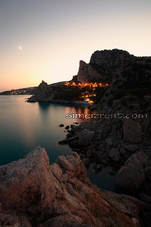 Крым, Симеиз, гора Кошка, скала Крыло Лебедя, вид со скалы Дива